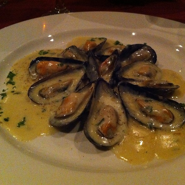 Mussels With Cream Sauce - Villa Maria - Calgary, Calgary, AB