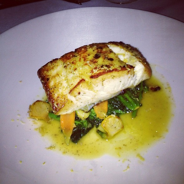 Halibut - Towne Hall, Pointe-Claire, QC