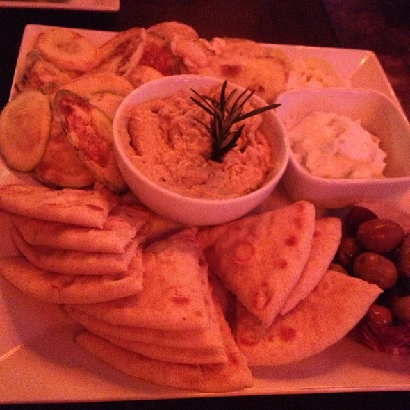 Hummus Platter - Teak on the Hudson, Hoboken, NJ