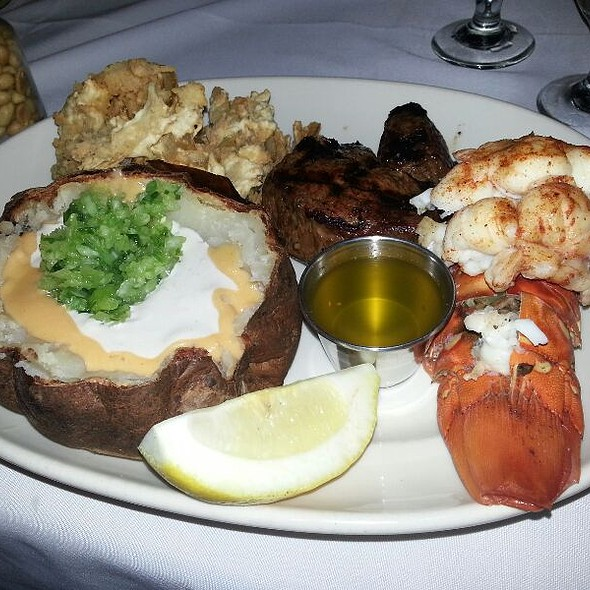 Steak & Lobster - Clearman's Steak N Stein, Pico Rivera, CA