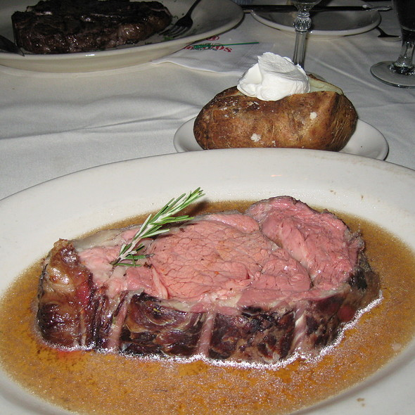 Slow Roasted Prime Rib - Hondos, Glen Allen, VA