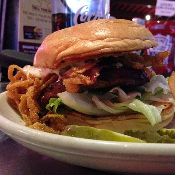 Hillbilly Burger - Ram Restaurant & Brewery - Rosemont, Rosemont, IL