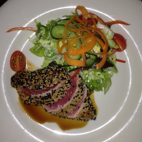 Sesame Seared Ahi Tuna  - Heartland Brewery Chophouse, New York, NY