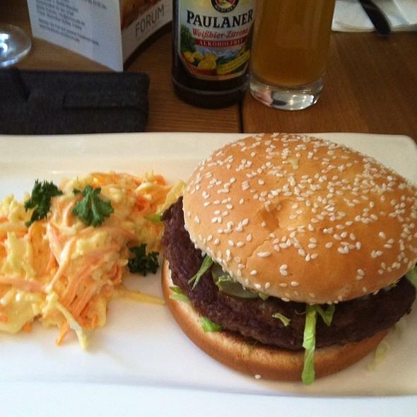 Beef Burger - Forum Restaurant -  Dauerhaft Geschlossen, München, BY