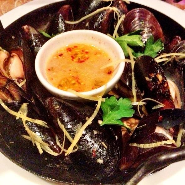 Brick Oven Roasted Mussels - Palomino - Bellevue, Bellevue, WA