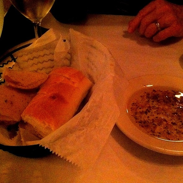 Bread And Olive Oil - Enza's Italian Restaurant, Jacksonville, FL