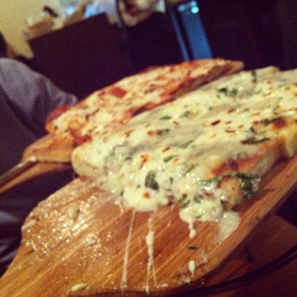 Gorgonzola Pizza - Riccardo Enoteca, Chicago, IL