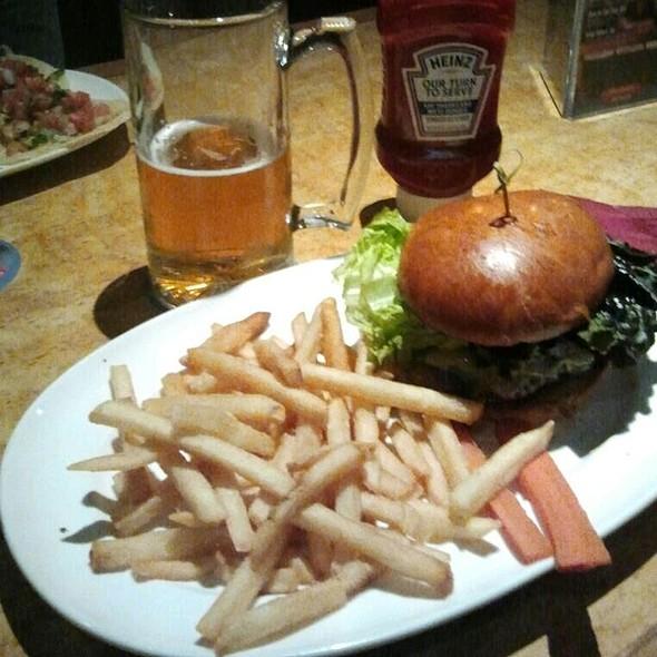 Portola Burger - Peter B's Brewpub, Monterey, CA