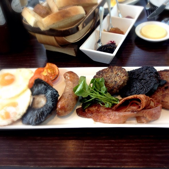 Full Scottish Breakfast - Roast, London