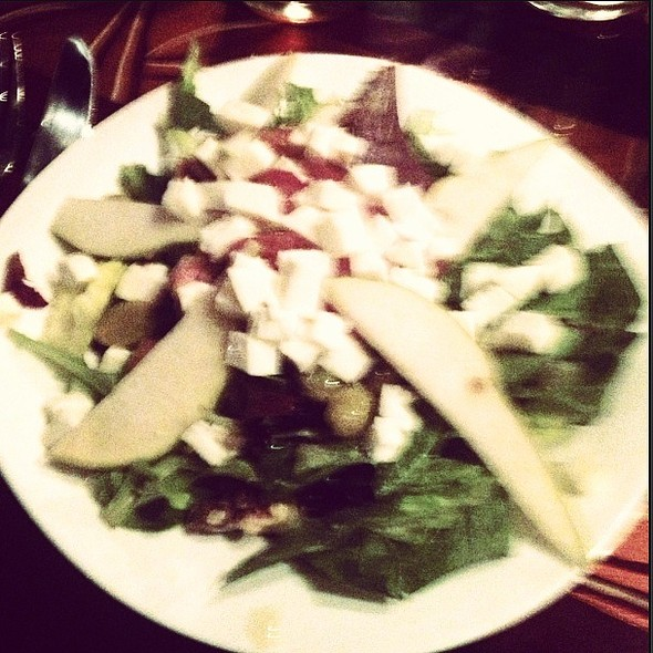 Pear Gorgonzola Salad - Laurrapin Grille, Havre De Grace, MD