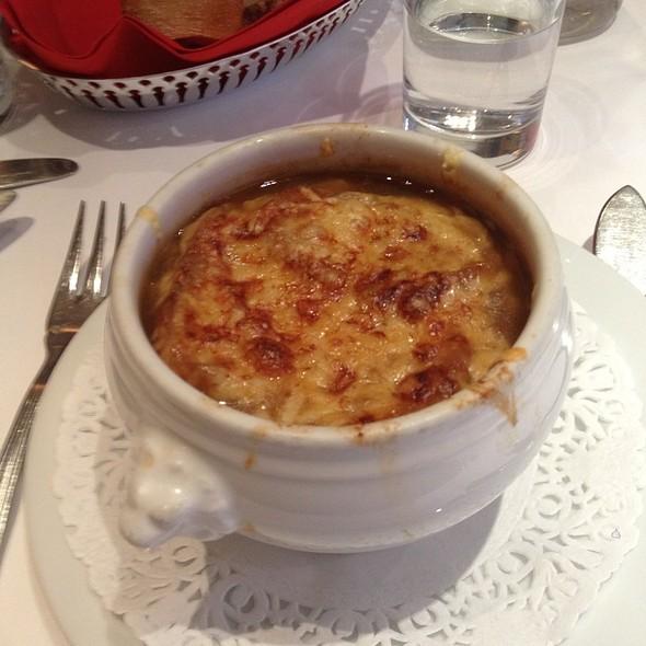 French Onion Soup - Mon Plaisir, London