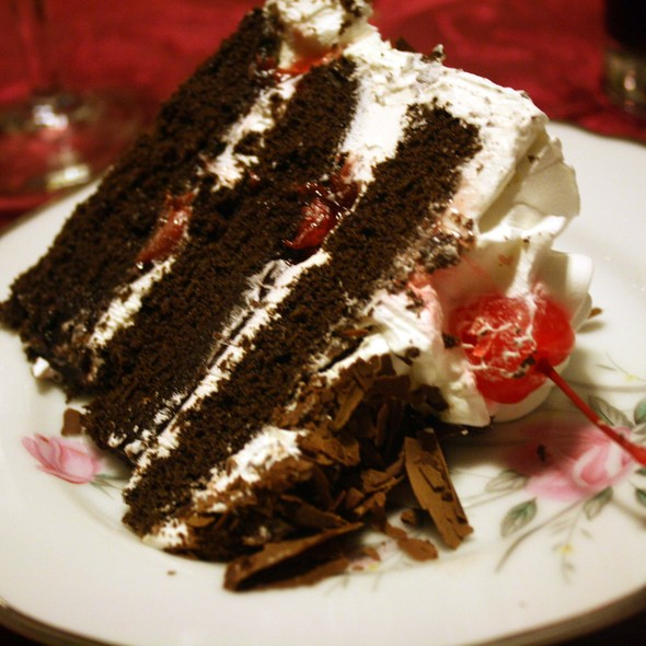 Black Forest Cake With Northwest Cherries Chocolate Shavings Loblaws Empress Walk