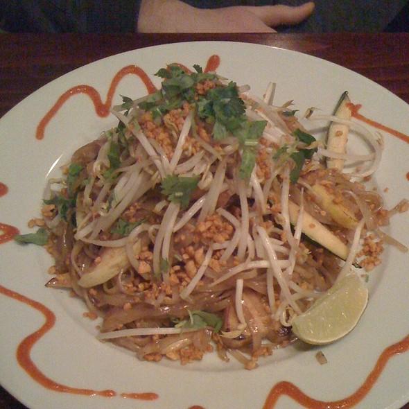 Pad Thai - Mi Lah Vegetarian BYOB, Ambler, PA