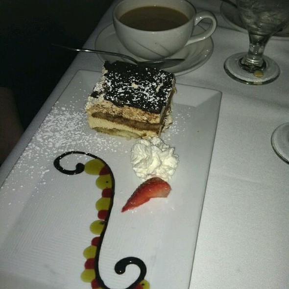 Tiramisu - Charlie Gitto's 'On the Hill', St. Louis, MO