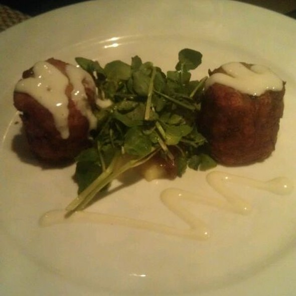 Jumbo Lump Crab Cakes & Golden Potato Puree - Sapphire Grill, Savannah, GA