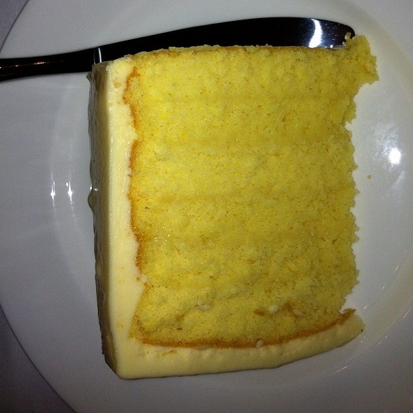 Del Frisco Warm Butter Cake