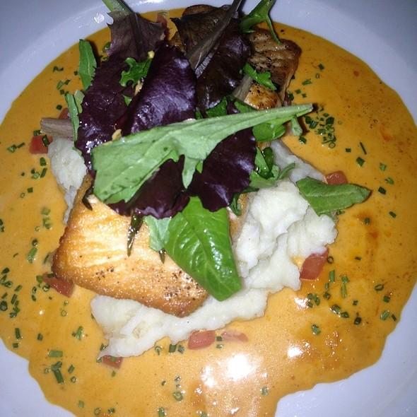 Salmon - Mannequin Pis, Olney, MD