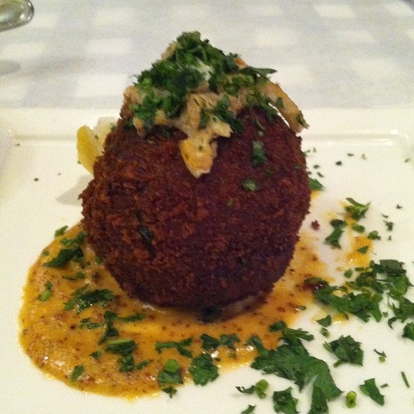 Lump Blue Crab Cake - Salut Bar Americain - St. Paul, Saint Paul, MN