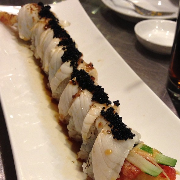 White Sox Roll - Chef Soon Contemporary Sushi and Bar, Woodridge, IL