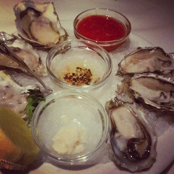 Fanny Bay Oysters - Wildfish Seafood Grille - Scottsdale, Scottsdale, AZ