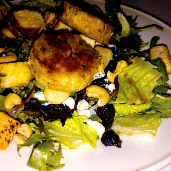 Maryland Crabcake Salad - Polaris Grill, Columbus, OH