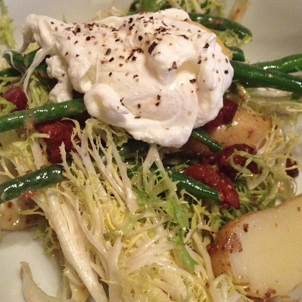 Salade Lyonnaise - Sips Bistro and Bar, Phoenixville, PA