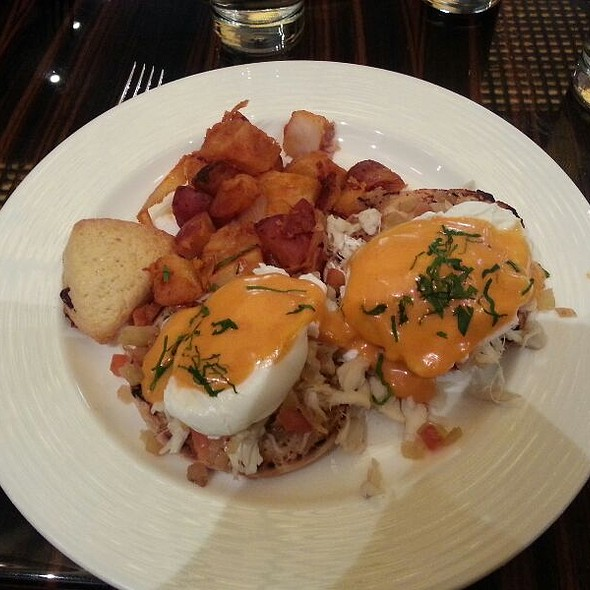 Crab Eggs Benedict - North Square, New York, NY