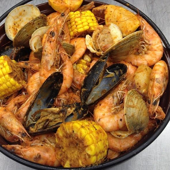 Seafood Boil - Crown Restaurant & Lounge, Palisades Park, NJ