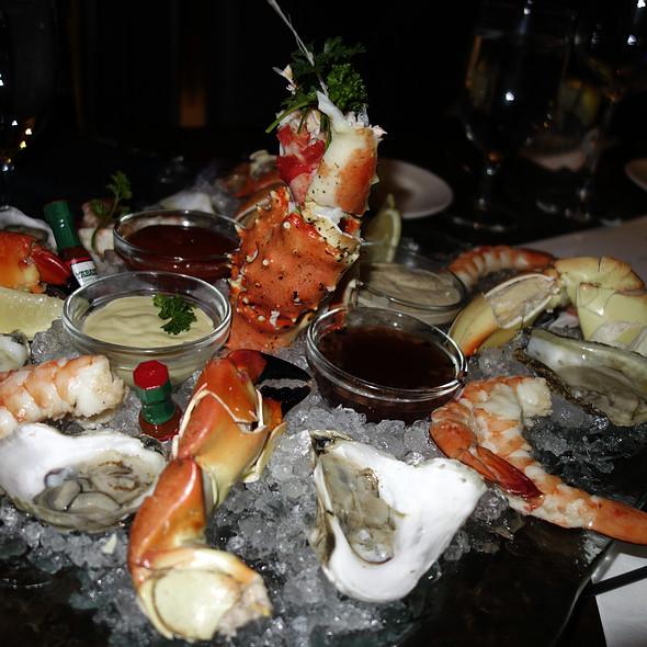 Seafood Plateau  - Del Frisco's Double Eagle Steakhouse - Chicago, Chicago, IL