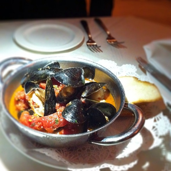 Prince Edward Island Mussels - Pierpont's at Union Station, Kansas City, MO
