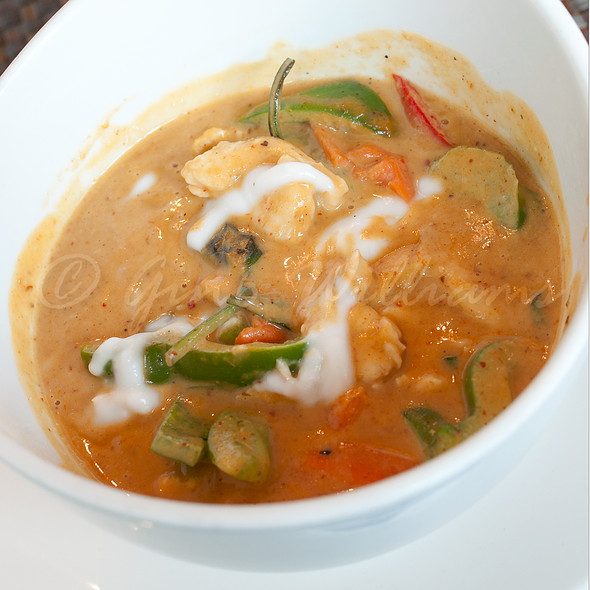 Panang Curry Chicken - Hot Woks Cool Sushi - Roscoe Village, Chicago, IL