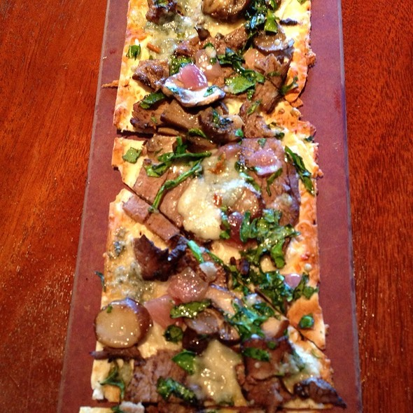 Steak and Cremini Mushroom Flatbread - Seasons 52 - Ft. Lauderdale, Fort Lauderdale, FL