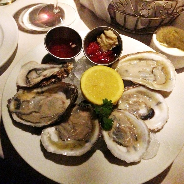 Iced Oysters  - Friday's Station Steak & Seafood Grill - Harrah's Lake Tahoe, Stateline, NV