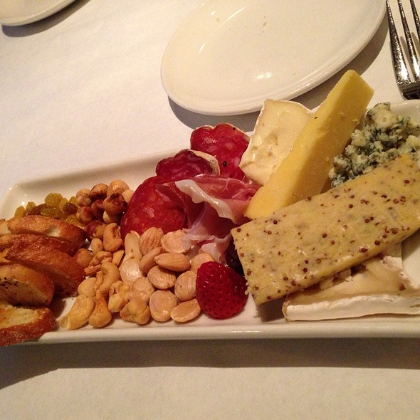 Cheese Plate - 20 Brix, Milford, OH