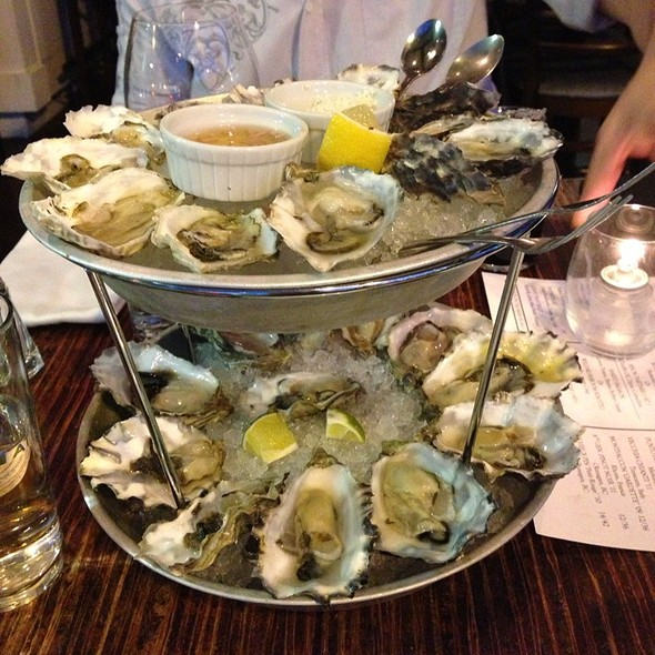 Oyster - Merchant's Oyster Bar, Vancouver, BC