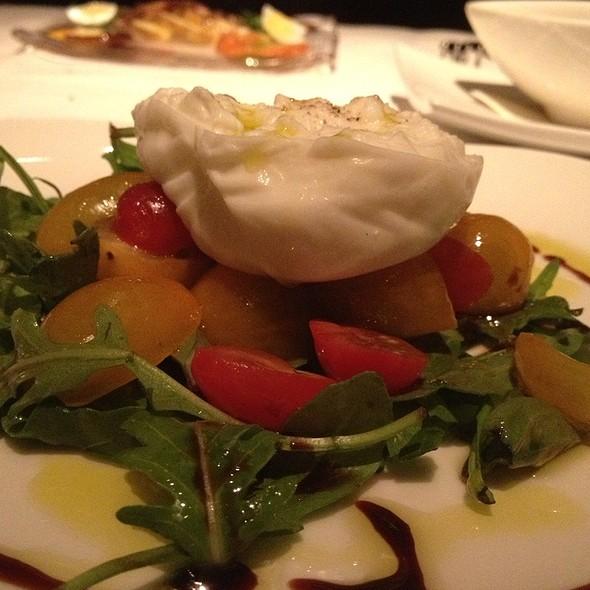 Heirloom Tomato, Arugula & Burrata Salad - Mariposa (Deer Valley Resort), Park City, UT