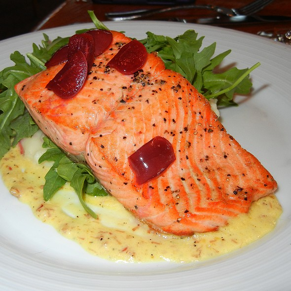 Sockeye Salmon - Ray's Boathouse, Seattle, WA