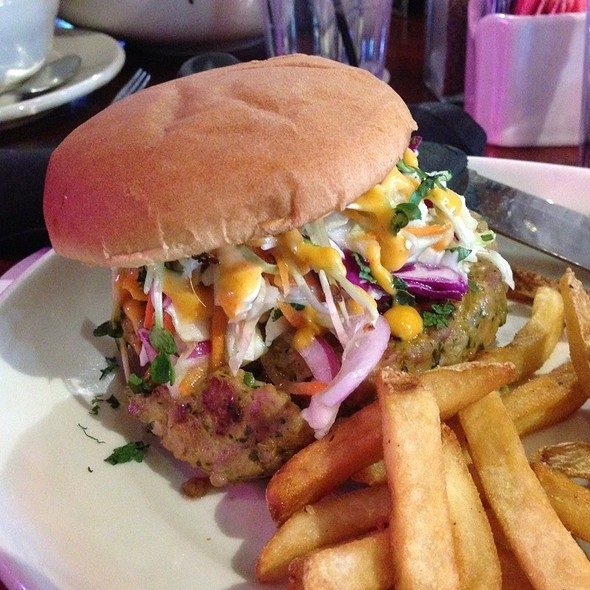 Hog Heaven - Ram Restaurant & Brewery - Rosemont, Rosemont, IL