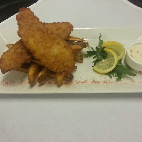 Fish and Chips - Trofi Restaurant - Doubletree by Hilton Kansas City - Overland Park, Overland Park, KS