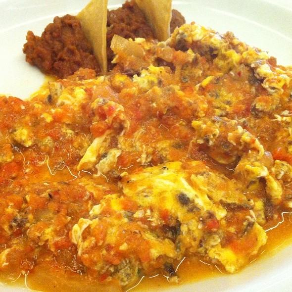 Machacado Con Huevo Estilo Ranchero - Restaurante San Carlos - Valle, Monterrey, NLE