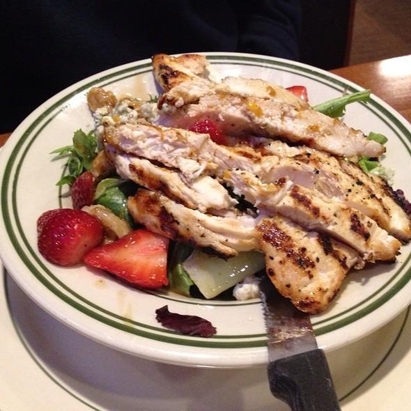 Grilled Chicken Strawberry Salad - Park Tavern - Rosemont, Rosemont, IL