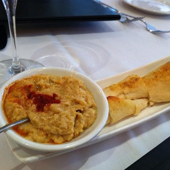 Hummus - Creme Brasserie, Toronto, ON
