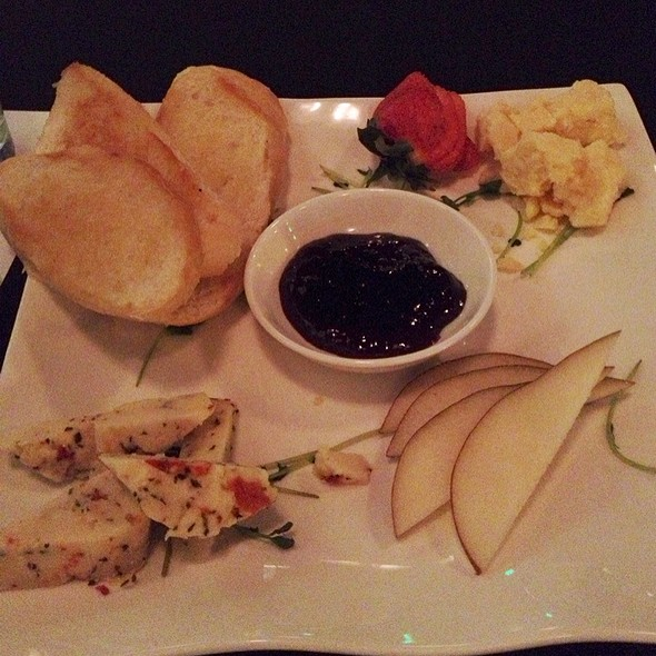 Cheese Plate - M Restaurant and Bar, Nashville, TN