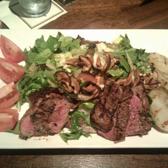 Steak Salad - Tommy Bahama Restaurant & Bar - Scottsdale, Scottsdale, AZ