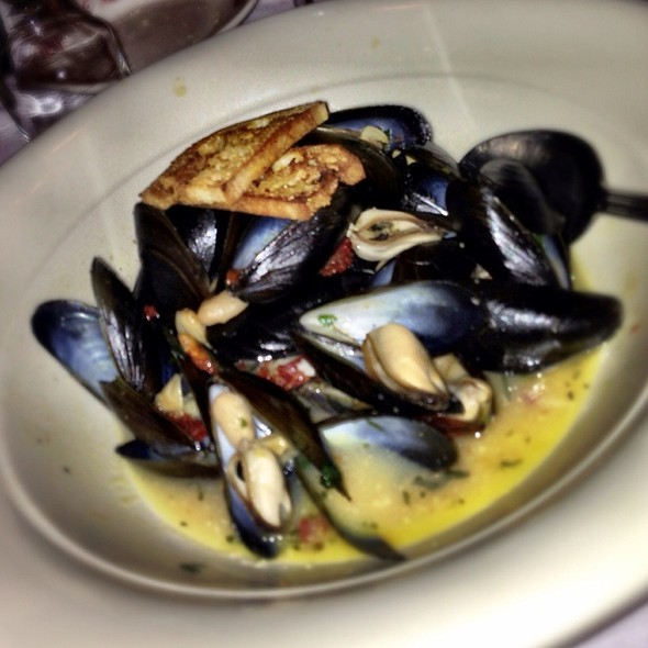 Steamed Mussels  - Maggiano's - Scottsdale, Scottsdale, AZ