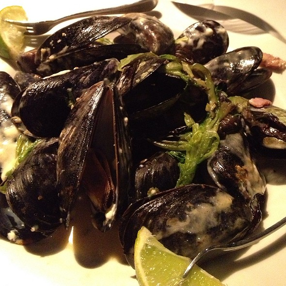 Blue Cheese Braised Mussels - Catch Twenty Three - Tampa, Tampa, FL
