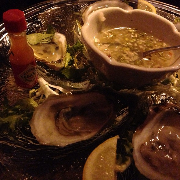 Oysters - The Little Owl, New York, NY