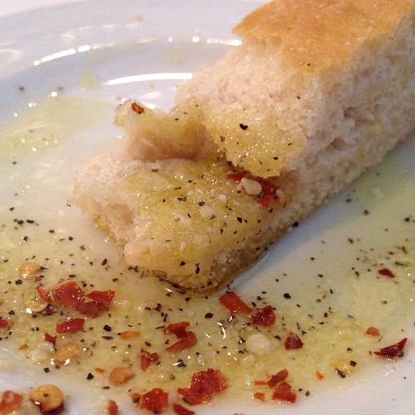 Hot Bread and Dipping EVOO - Centro Restaurant, Des Moines, IA