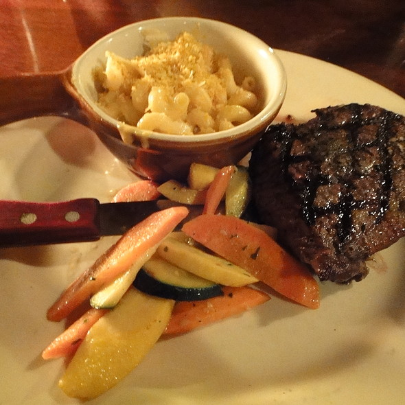 Top Sirloin with Mac and Cheese and Veggies - Rock Bottom Brewery Restaurant - Portland, Portland, OR