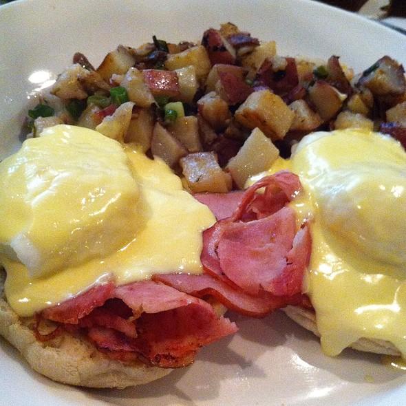 Eggs Benedict - Green Street Restaurant, Pasadena, CA